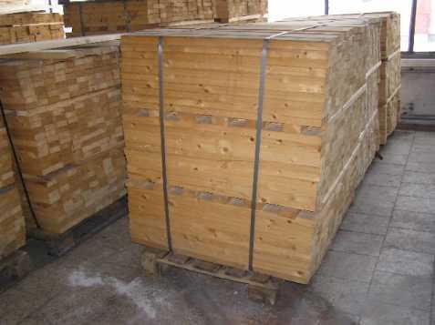 Dřevěné hranoly vhodné na plot